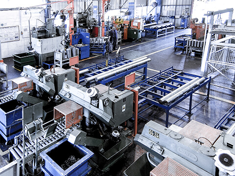 CF_Production_Material cutting & Robotic chamfering